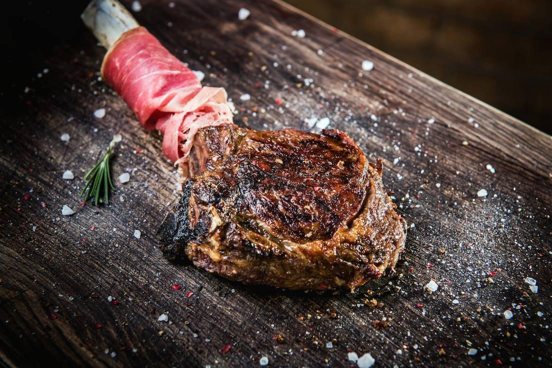 Тарантино мясо на доске