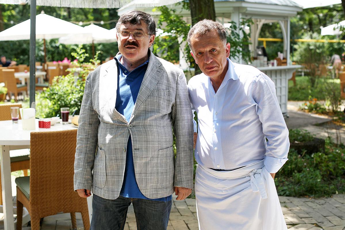 Борис Бурда ценит оливковое масло, не злоупотребляет алкоголем, но и не отказывается от красного вина.