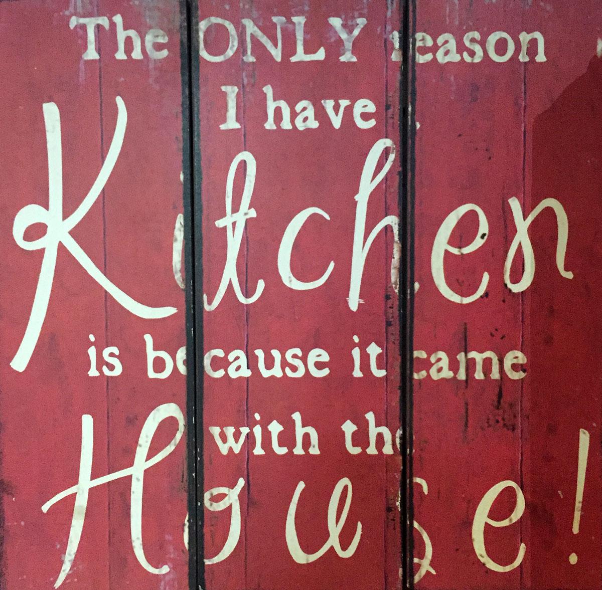 Ресторан пестрит табличками, которые не понять тем, кто учил в школе немецкий.