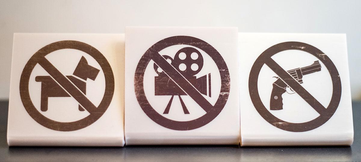 В ресторанах Сергея просят не снимать фильмы про собак и секьюрити.