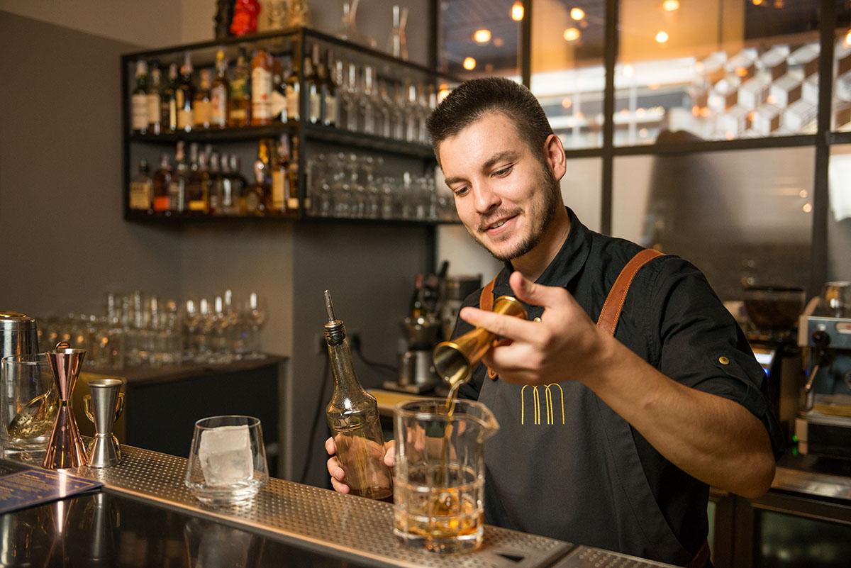 mocco-bartender