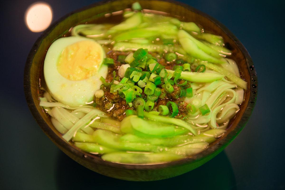 Есть поговорка: «Продукты в Китае, ароматы в Сычуани». Дандан –ароматное блюдо сычуаньской кухни.