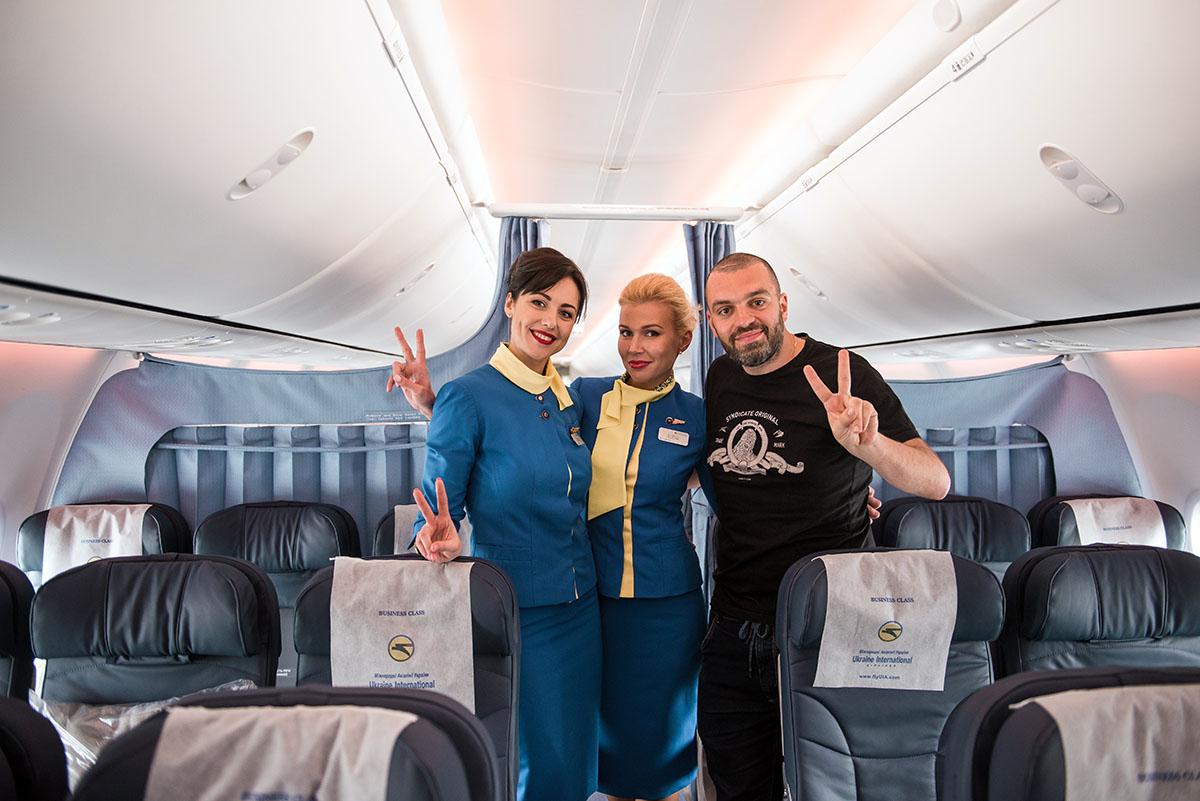 Весенне-летний рацион представили на борту нового Boeing 737-800, прилетевшего прямо с завода.