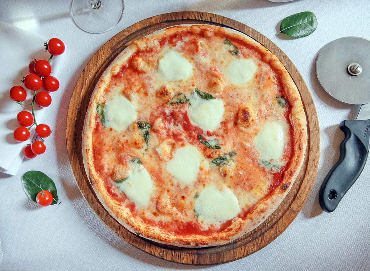 В Италии насчитывается более 2000 наименований пицц.