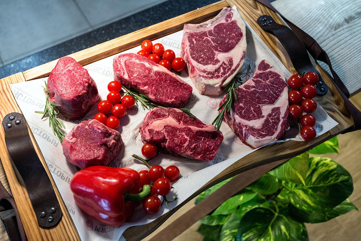 Впечатлительные покупательницы ахают: «Какое фотогеничное мясо!»